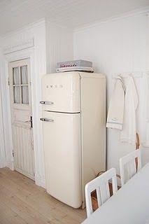 smeg fridge fab30 refrigerator freezer pastel green madeinitaly turquoise aqua. Black Bedroom Furniture Sets. Home Design Ideas