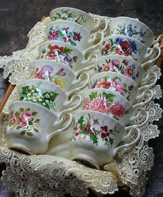 "katysflowersandantiques: "" Royal Albert - Flower of the month series - tea cups Source "" Royal Albert, Tea Cup Display, Teapots And Cups, Teacups, China Tea Cups, My Cup Of Tea, China Patterns, Vintage China, Tea Cup Saucer"