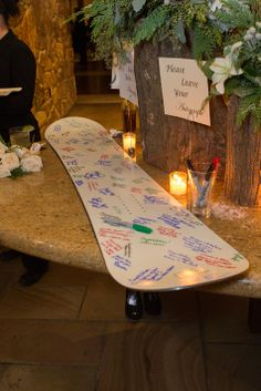 Snowboard guest book to be hung on the bride and groom's wall. Loveee this with old wood skis and a gold marker! Snowboard Wedding, Ski Wedding, Art Deco Wedding, Wedding Table, Dream Wedding, Rugby Wedding, Nautical Wedding, Wedding Dreams, Wedding Ceremony