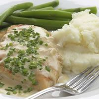 From Everyday Health: Sauteed Chicken Breasts With Creamy Chive Sauce  Here's a sauce so delicious, it's missing only one thing: a little crunchy bread to dip in it.
