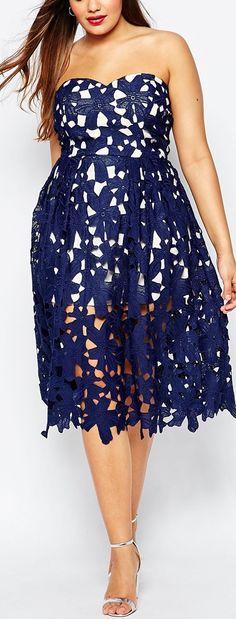 embroidered openwork strapless dress