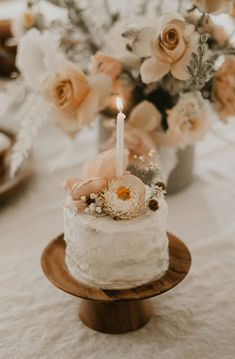 Positively dreaming over this Sweet Vintage Birthday Party by Stefanie Makol of Witty Bash! Filled with soft hues and precious detail, this celebration showcases vintage, quite well! So crawl… Baby Girl 1st Birthday, First Birthday Cakes, Birthday Bash, Vintage First Birthday, Simple First Birthday, 1 Year Birthday, Pretty Birthday Cakes, Rustic Birthday Parties, Birthday Decorations
