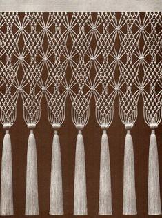 I'd love to learn this knot ! 1d36334f4cf6cf740e83a8bb2840ea46.jpg (2040×2741)