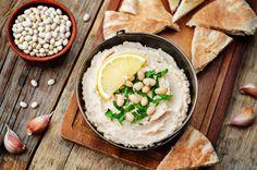 white beans hummus with lemon