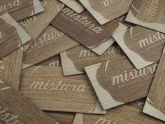 Tarjetas de madera para la heladería Mistura. www.grabolaser.com