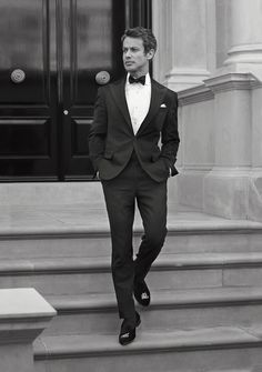 A Made to Measure suit is a man's individual expression of luxury.