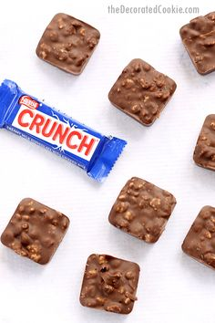 Make EASY HOMEMADE NESTLE CRUNCH BARS with just 2 ingredients. All you need is cereal and chocolate. Try any shape of silicone mold. Chocolate Dishes, Chocolate Candy Recipes, Chocolate Dipped Fruit, Homemade Chocolate, Delicious Desserts, Dessert Recipes, Bar Recipes, Drink Recipes, Yummy Food