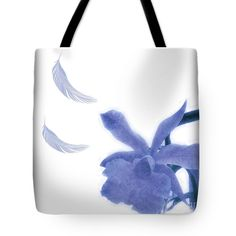If blue is your colour, then this blue-brocade-style texture design tote bag is perfect for you.