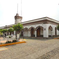 Edificio del Ayuntamiento de Comala Colima Mex. #mexicoandando #imagenes_mx…