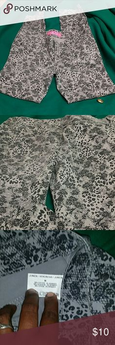 Black and Gray Patterned Jeans Juniors Medium. Gray skinnys with black lace and animal Print. Very cute! Very Haute! Glo  Pants