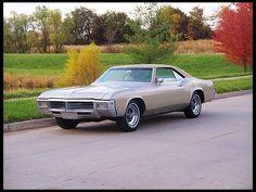 1969 Buick Riviera   Mecum Auctions $10,500