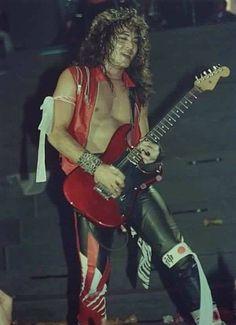 Jake E. Lee-Ozzy Osbourne and Badlands. Jake E Lee, Jack Lee, 80s Hair Metal, Lee Williams, Guitar Photography, Glam Metal, Ozzy Osbourne, Rock Legends, Music Photo