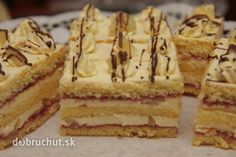 Ananásové rezy Czech Desserts, Pecan Pralines, Czech Recipes, Cake Bars, Desert Recipes, Cake Cookies, Food Dishes, Nutella, Baked Goods