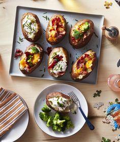 Perfect Baked Potatoes for Baked Potato Bar Baked Potato Bar, Perfect Baked Potato, Baked Potato Recipes, Baked Potatoes, Antipasto, Side Dish Recipes, Dinner Recipes, Snack Recipes, Side Dishes For Chicken
