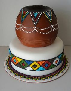 Amazing Wedding Cakes Food Network Tradition Of Eating Wedding Cake On Anniv… - Coiffures De Mariage Traditional Wedding Decor, Traditional Wedding Invitations, Traditional Cakes, Zulu Traditional Wedding Dresses, Zulu Traditional Attire, Beaded Wedding Cake, Zulu Wedding, Cake Wedding, Wedding Rings