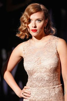 September 2011—Waves for Days - Scarlett Johansson's Complete Hair Transformation - Photos