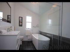 Ipswich Queenslander modern bathroom