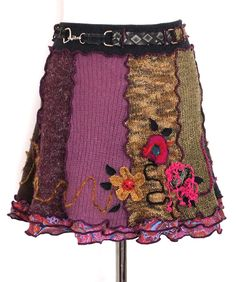 Beloved skirt - made of different upcycled twists. Measuring about 45 cm.  59.00 €
