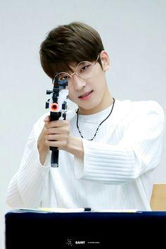 I know it's the wrong group but.....  Chong! Jojun! Balsa! #Wonwoo #Gun