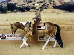 model horse at the lope - Western Pleasure - by Susan Hargrove