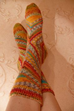 Cool socks but im really only pinning this because I love the wall! Gotta figure out how to do that in my room Crochet Socks, Knitting Socks, Hand Knitting, Knit Crochet, Knit Socks, Slippers, Slipper Socks, Cool Socks, Awesome Socks