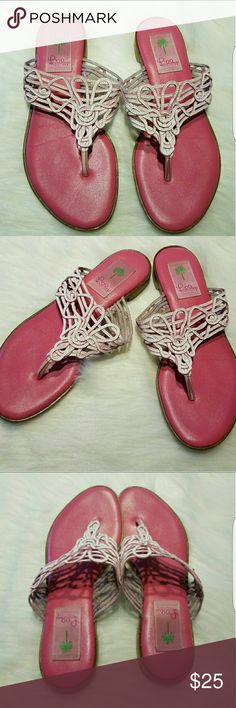 LILLY PULITZER SANDALS SZ8 B BEAUTIFUL LILLY PULITZER SANDAL SIZE 8 PINK AND WHITE  PREOWNED IN GREAT CONDITION  BOTTOM NEED CLEANING ITEM SOLD AS IS Lilly Pulitzer Shoes Sandals