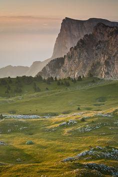 Derrière, le Mont Aiguille... - Vincent favre