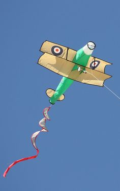 "Sticked 3D Kites. Great pic of a 3D Airplane kite. Quite a popular sub-niche of novelty kites in general! Kids would love the spinning tail too. T.P. (my-best-kite.com) ""Kite - biplane"" Cropped from a photo by Heather on Flickr. Kite Building, Kite Store, Kite Tail, Kite Making, Stunt Kite, Kite Designs, Go Fly A Kite, Peacock Art, Festivals Around The World"