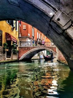 Are you heading to Italy then you must find the best things to do and see in Venice! Italy Vacation, Italy Travel, Venice Travel, 4k Photography, Beautiful World, Beautiful Places, Places To Travel, Places To Visit, Empire Romain