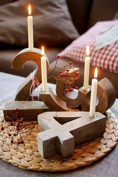 "Para Adviento en cemento u hormigón - Advent of cement or concrete - DIY Blitzzement oder Beton-""Adventskranz"" Noel Christmas, Winter Christmas, Christmas Crafts, Simple Christmas, Concrete Crafts, Concrete Projects, Advent Candles, Advent Wreath, Xmas Decorations"