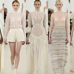 El glamoroso desfile blanco de Valentino en Nueva York