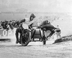 sidecar racing hell yea.... weee