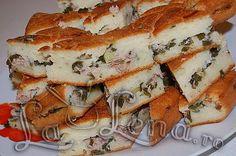 Placinta rapida cu ceapa verde si ton Romanian Food, Quiche, Sandwiches, Favorite Recipes, Dinner, Breakfast, Drink, Pie, Dining