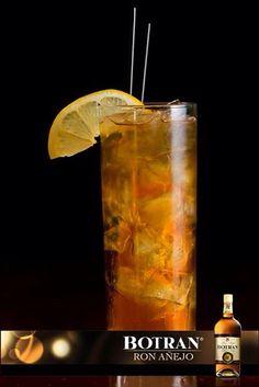 Selectonic Ron Botran 8 Tónica Zumo de limón  Preparación:  En un vaso alto con hielo agrega 1oz de Ron Botran Añejo 8 y el zumo de medio limón. Completa con tónica y mezclar