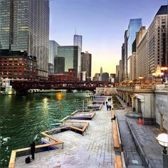 so glad to see Chicago river walk extended up till  Lake Bridge  glad to see each block section has its own unique construction #Chicago #ChicagoArchitecture #ChicagoRiverWalk #RiverWalk #Evening #ChicagoRiver #Downtown #ChicagoLoop #Pretty #Colors #October2016 #Fall2016 #Autumn2016 #HappySaturday #HappyWeekend