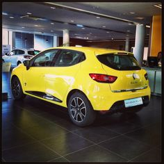 New Renault Clio  yellow color www.daddario.it