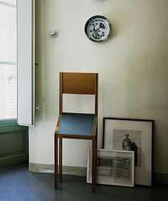 Singer, chair for a very brief visit, limited production by Zanotta - Bruno Munari
