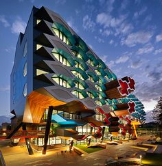 Lims La Trobe University Molecular Science Building, Australia, by LYONS Architects The Melbourne-based creatives at Lyons Architects are adding some serious life into the local architecture scene. Architecture Design, University Architecture, Futuristic Architecture, Beautiful Architecture, Contemporary Architecture, Landscape Architecture, Landscape Design, Unique Buildings, Interesting Buildings