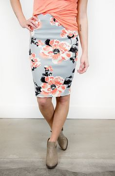 Bold Floral Pencil Skirt in gray/peach/black with peach T & taupe booties