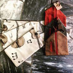Astucci e porta monete! #astucci #pencase #music #violin #cremona #cremonabooks #instapic #instagood #igercremona #cityoftheviolin #handmade #atelierstella