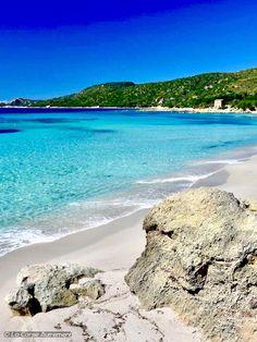 La plage de Cala d'Orzu est l'une des plus belles plages sauvages de la Corse, et elle se mérite !