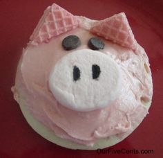 "Pig Cookies- serve with pudding ""mud"" for school farm snack. good idea for ears? http://www.cupcakesforparty.com/2013/01/recipe-marshmallow-pig-cupcakes.html"
