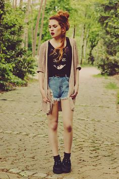 Sheinside Shorts, Zara Cardigan, H Top