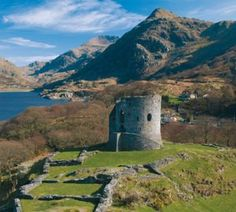 The ruins of Dolbadarn Castle, Gwynedd, Wales. Built in the late 13th century by Welsh Prince Llywelyn the Great