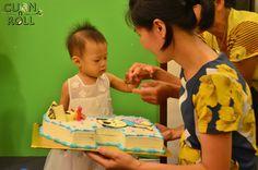 https://www.flickr.com/photos/cuonnroll/albums/72157645683661543   Ảnh sinh nhật bé Bim Bim- Cuonnroll   Ngày 11/07/14 là sinh nhật bé Bim Bim tròn 1 Tuổi. Cuốn N Roll thật vui khi được mẹ Lan mẹ của bé chọn là địa điểm tổ chức sinh nhật cho bé. Cả nhà đã rất vui vẻ