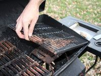 How do you go about cleaning your grill and maintaining it in the best possible condition? There are a few things that you can do in this regard and this article takes a look at the best way to clean a propane grill.
