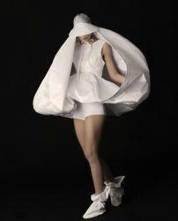 アイデアソース White Fashion, Masquerade, Fasion, Runway, Ballet Skirt, Black And White, Skirts, Beautiful, Collection