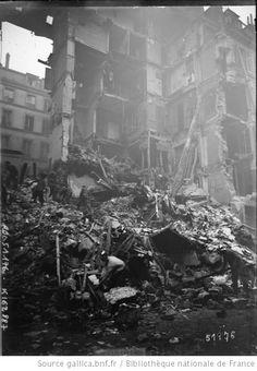 Rue Geoffroy-Marie [Paris, 9e arrondissement, dégâts dûs aux bombardements de la nuit du 30 au 31 Janvier 1918] : [photographie de presse] / [Agence Rol] - 1
