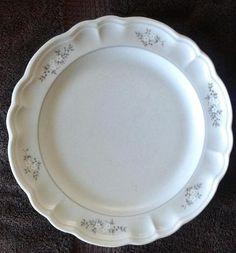 Pfaltzgraff Heirloom Dinner Plates #Pfaltzgraff
