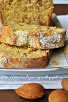 Pandolce con mandorle e noci Quick Bread, Sweet Recipes, Banana Bread, French Toast, Cooking, Breakfast, Breads, Desserts, Pizza